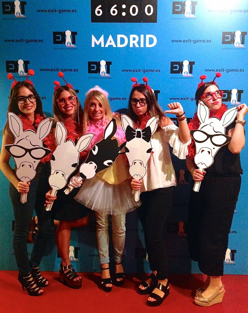Exit-Game-Madrid-Despedida-antenitas